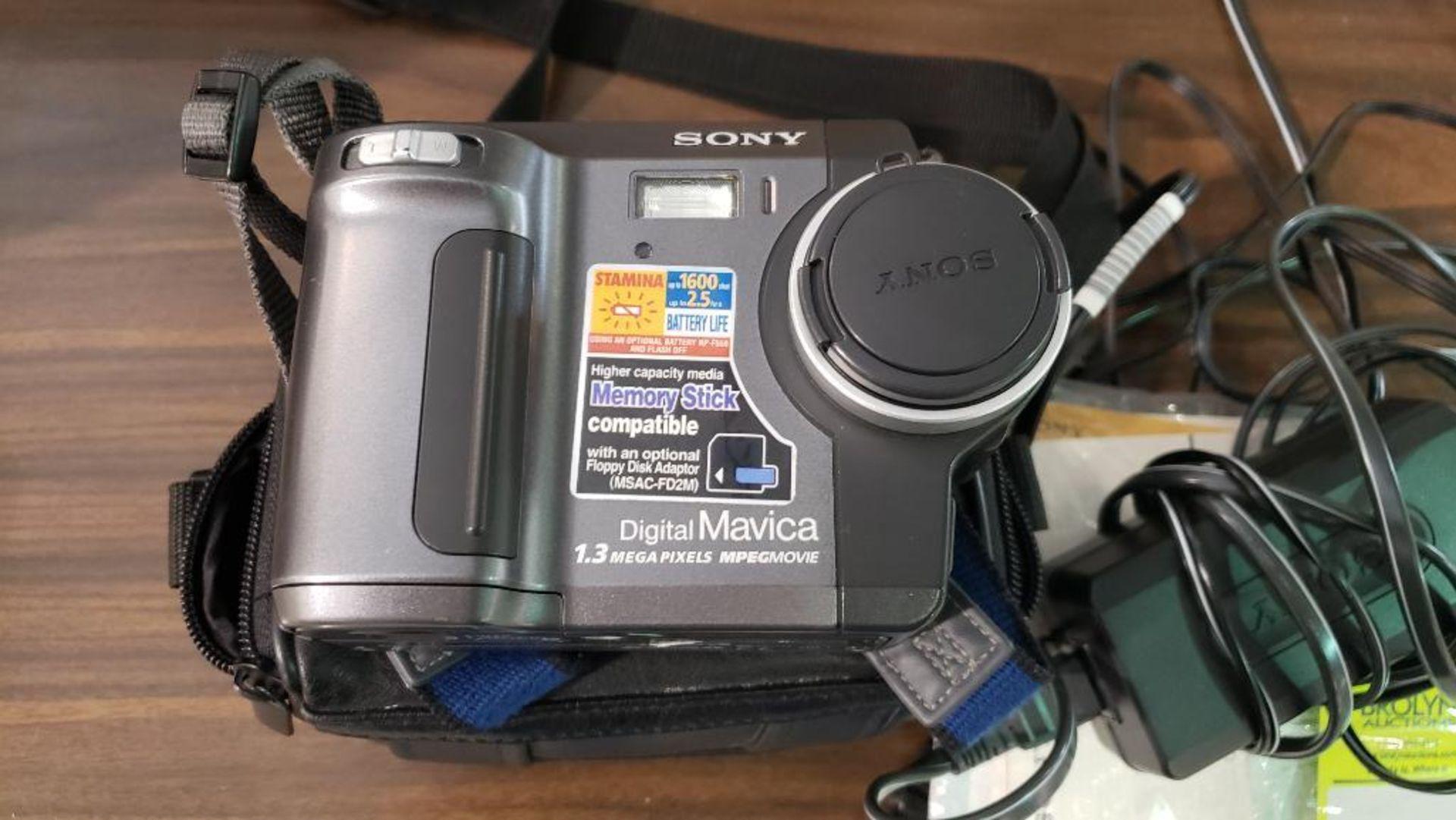 Sony Mavica digital camera. - Image 2 of 5