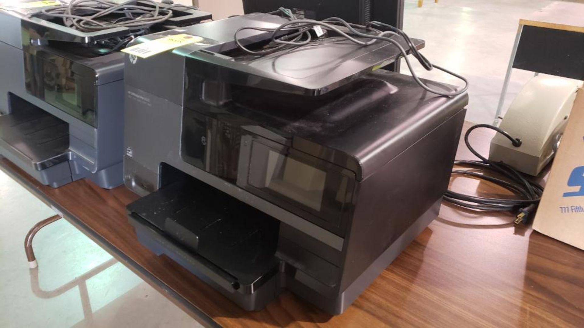 Lot 19 - Hp officejet pro model 8620 all in one printer scanner copier.