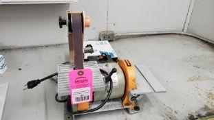 """Central Machinery combination sander. 1x30"""" belt, 5"""" disc sander. 110v single phase."""