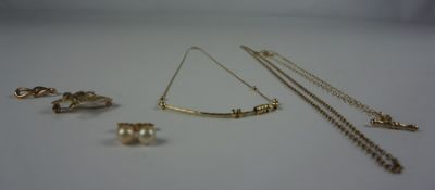 Mixed Lot of 9ct Gold Jewellery, To include a pendant, chain, pair of stud pearl earrings etc, gross