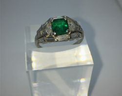 Christmas Jewellery, Antiques & Collectables