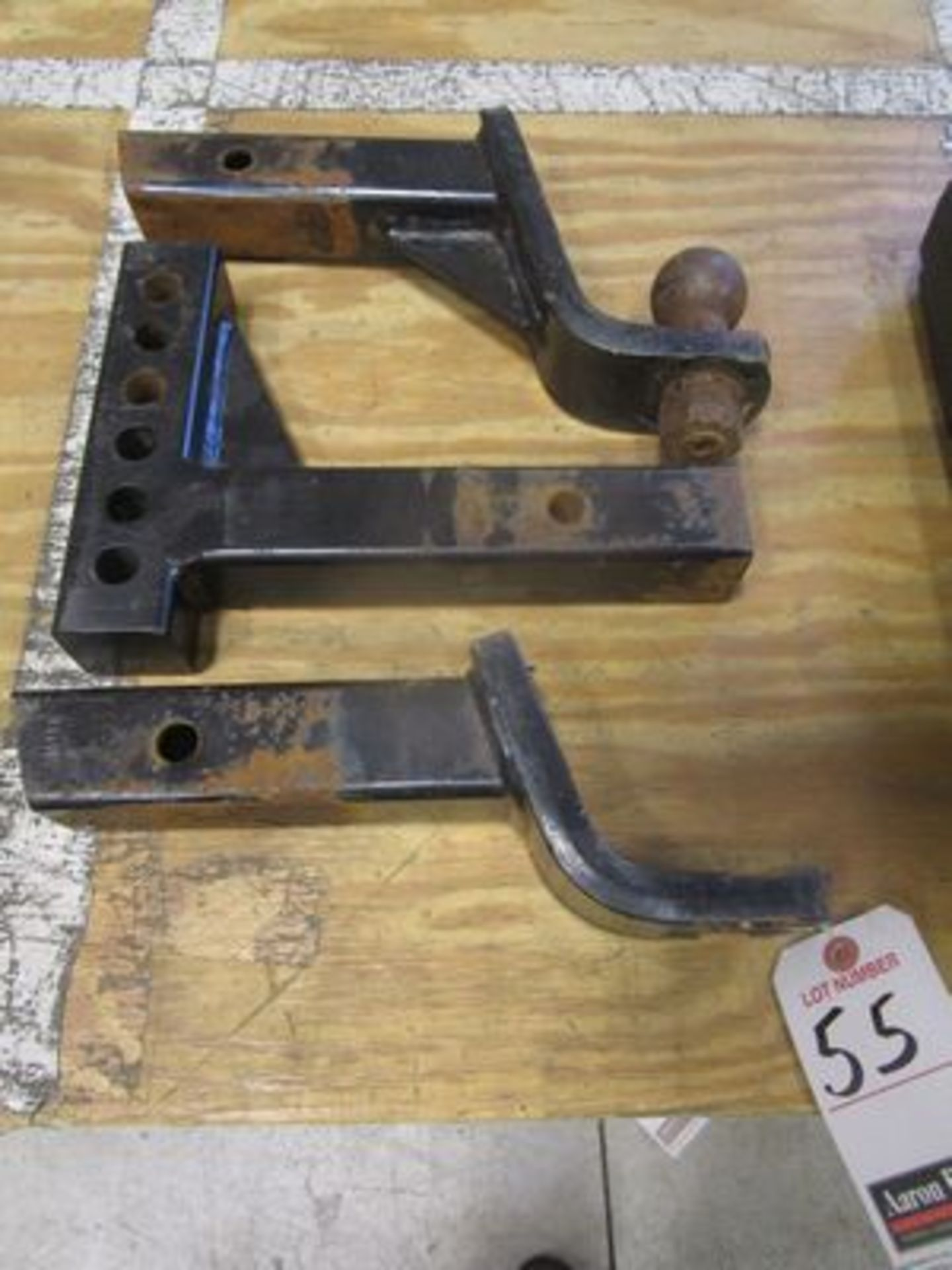 Lot 55 - ASS'T TOW HITCHES