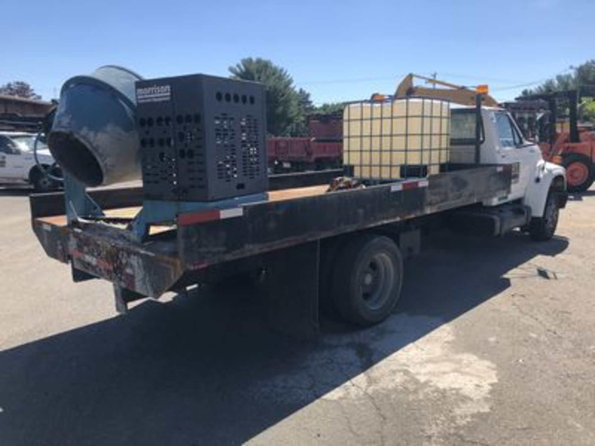 1998 FORD F-800 FLATBED TRUCK, DIESEL ENGINE, AT, DUAL ...