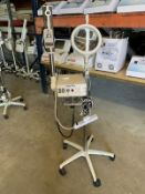 MAGIC MIST PORT. OZONE HIGH FREQUENCY STEAMER W/ 5 DIOPTER MAGNIFING LAMP, S/N 750199