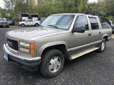 1999 GMC SUBURBAN 1500 SLE 4-DOOR SUV, AT, AC, FULL POWER, REAR DOOR, ROOF RACK, VIN #