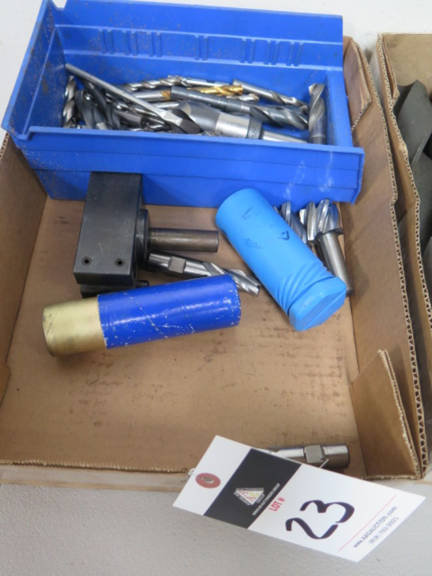 Lotto 23 - Drills and Endmills
