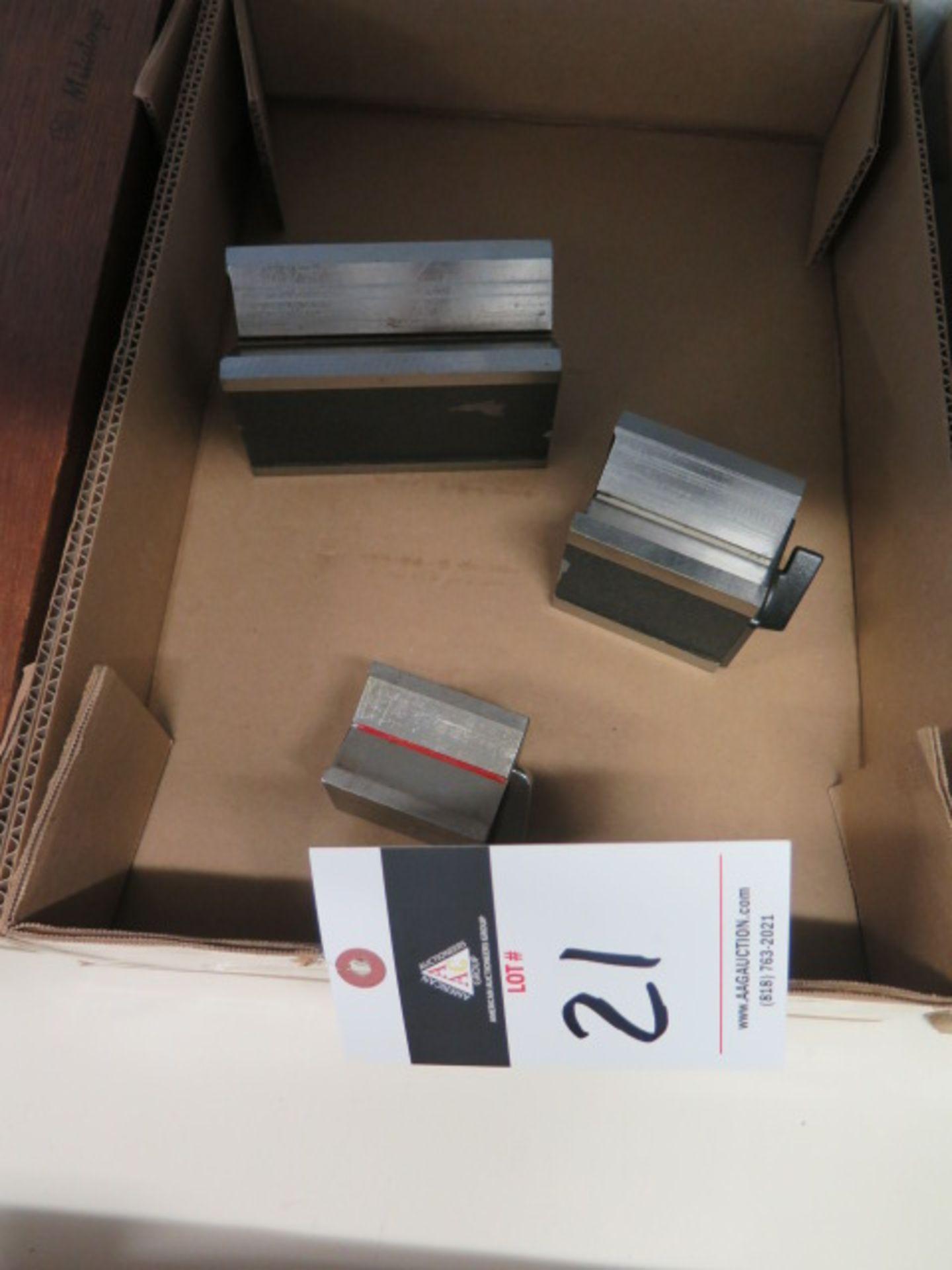 Lot 21 - Magnetic V-Blocks