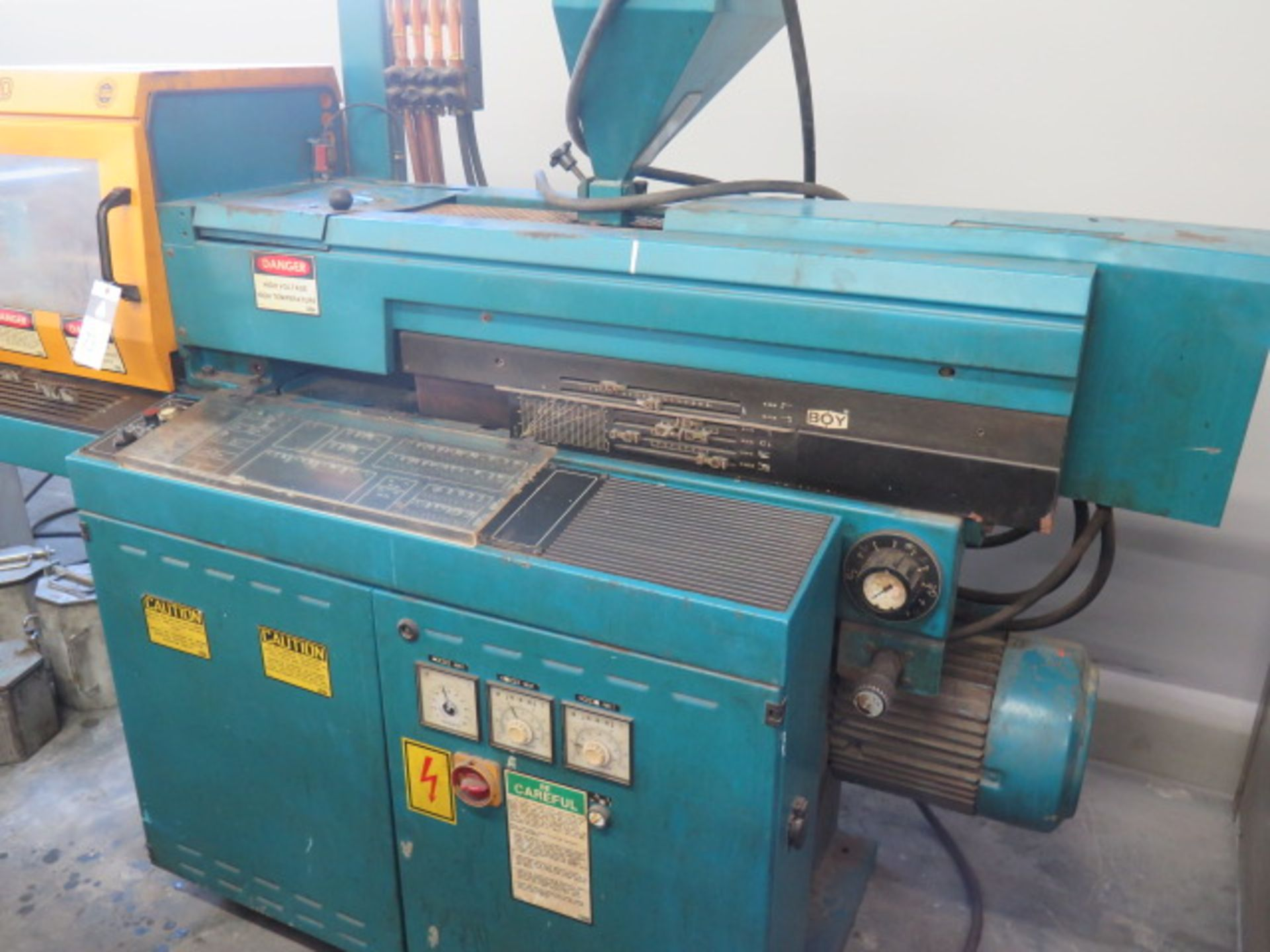 "Lot 73 - Boy 22D Plastic Injection Molding Machine s/n 29421 w/ Boy Controls, 8 ¾"" x 10"" Between Posts,"