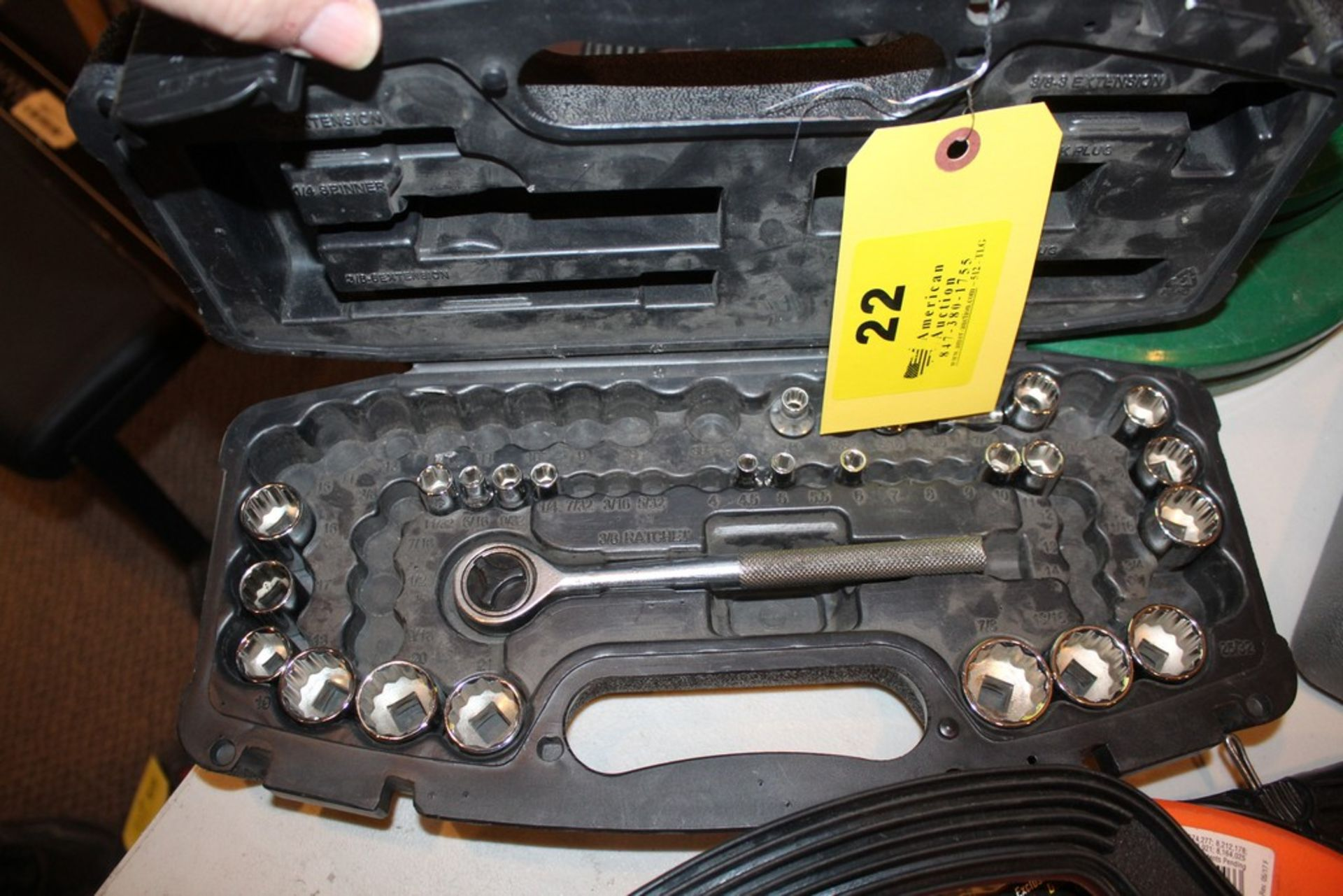 Lot 22 - HUSKY SOCKET SET IN CASE, INCOMPLETE