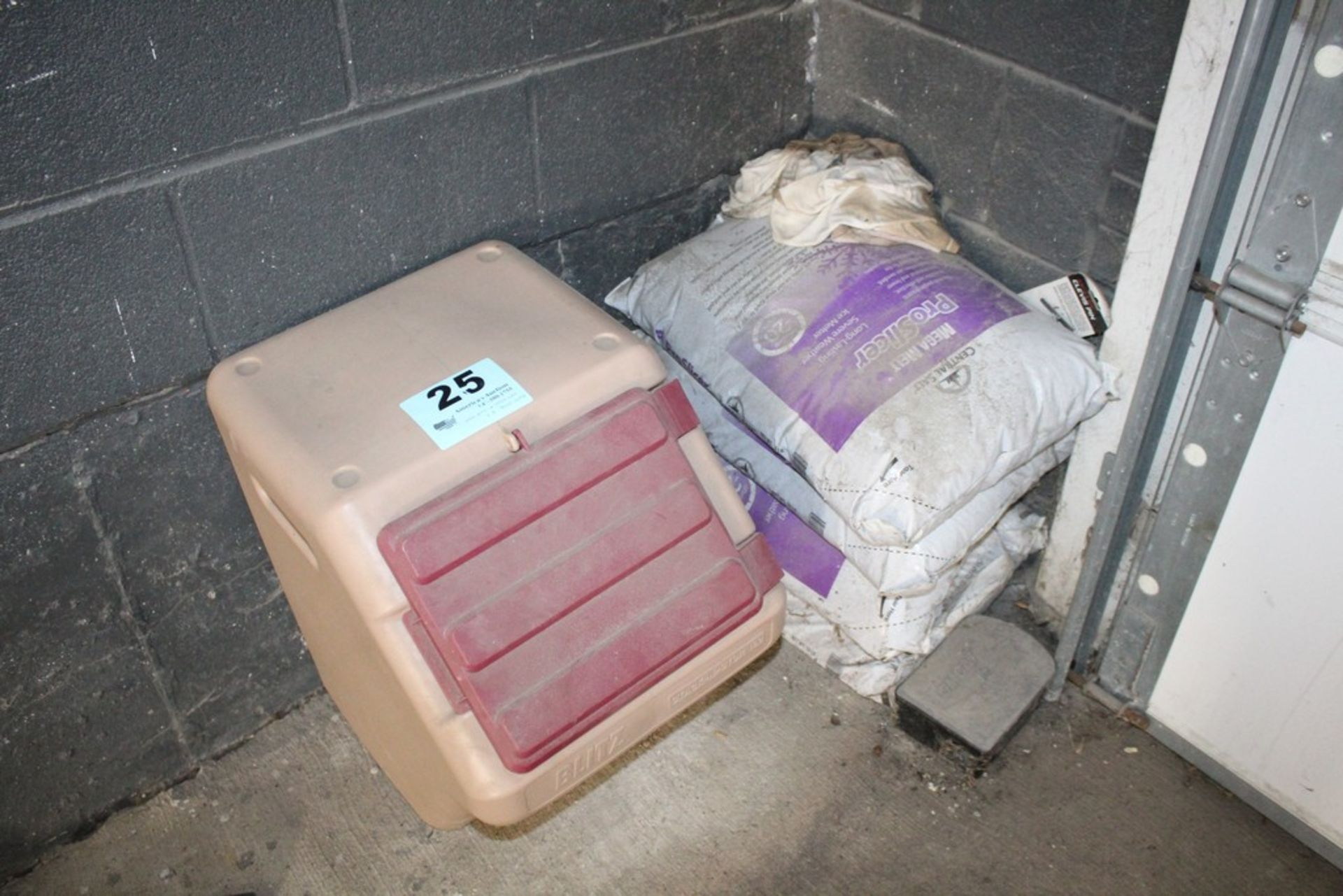 Lot 25 - (4) BAGS OF MEGA MELT SALT AND STORAGE CONTAINER