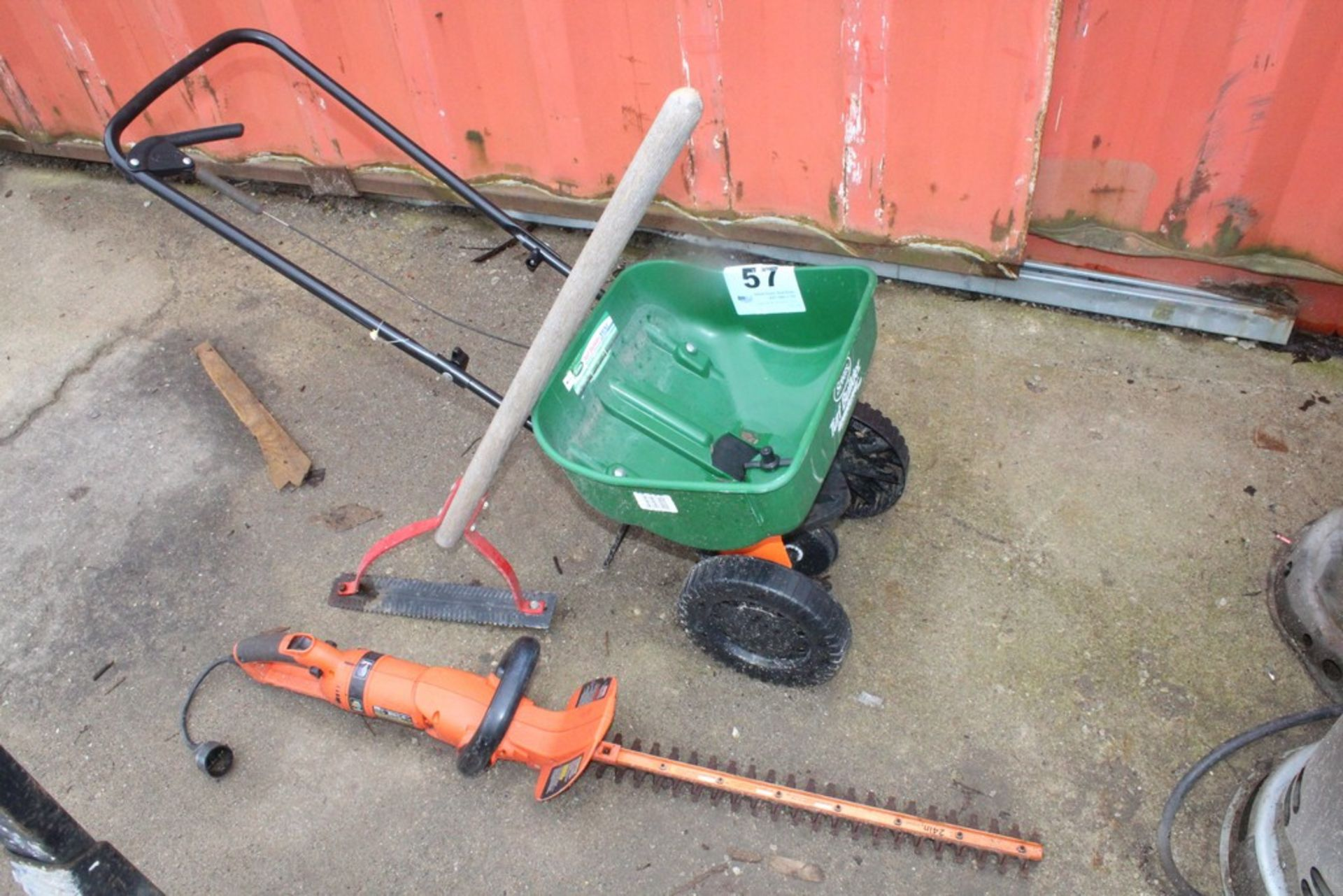 Lot 57 - SCOTTS SPREADER, BLACK & DECKER HEADGE TRIMMER, AND WEED CUTTER