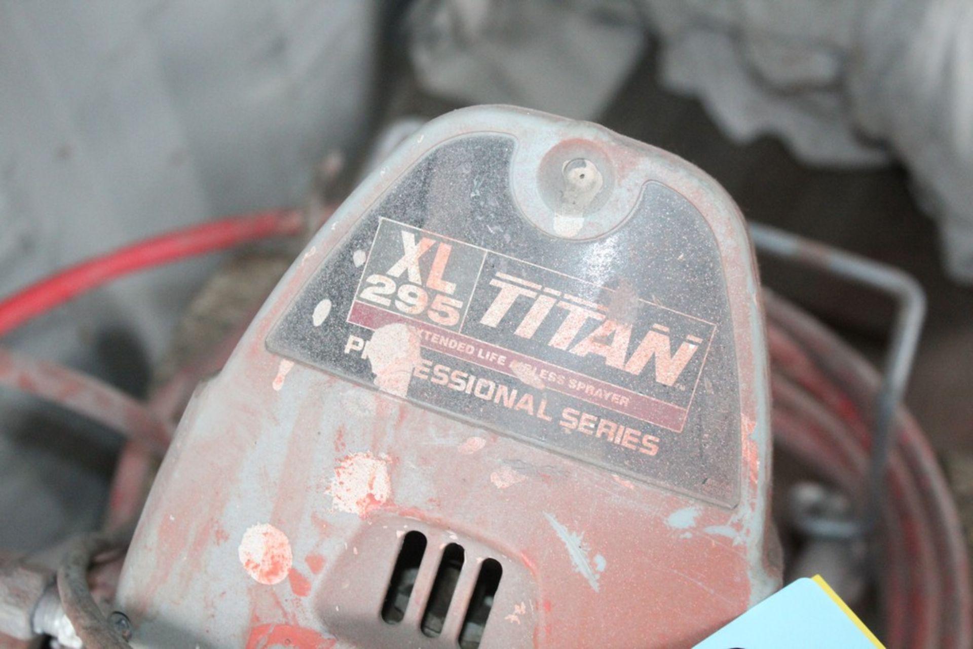 Lot 40 - TITAN XL 295 PROFESSIONAL SERIES AIRLESS PAINT SPRAYER