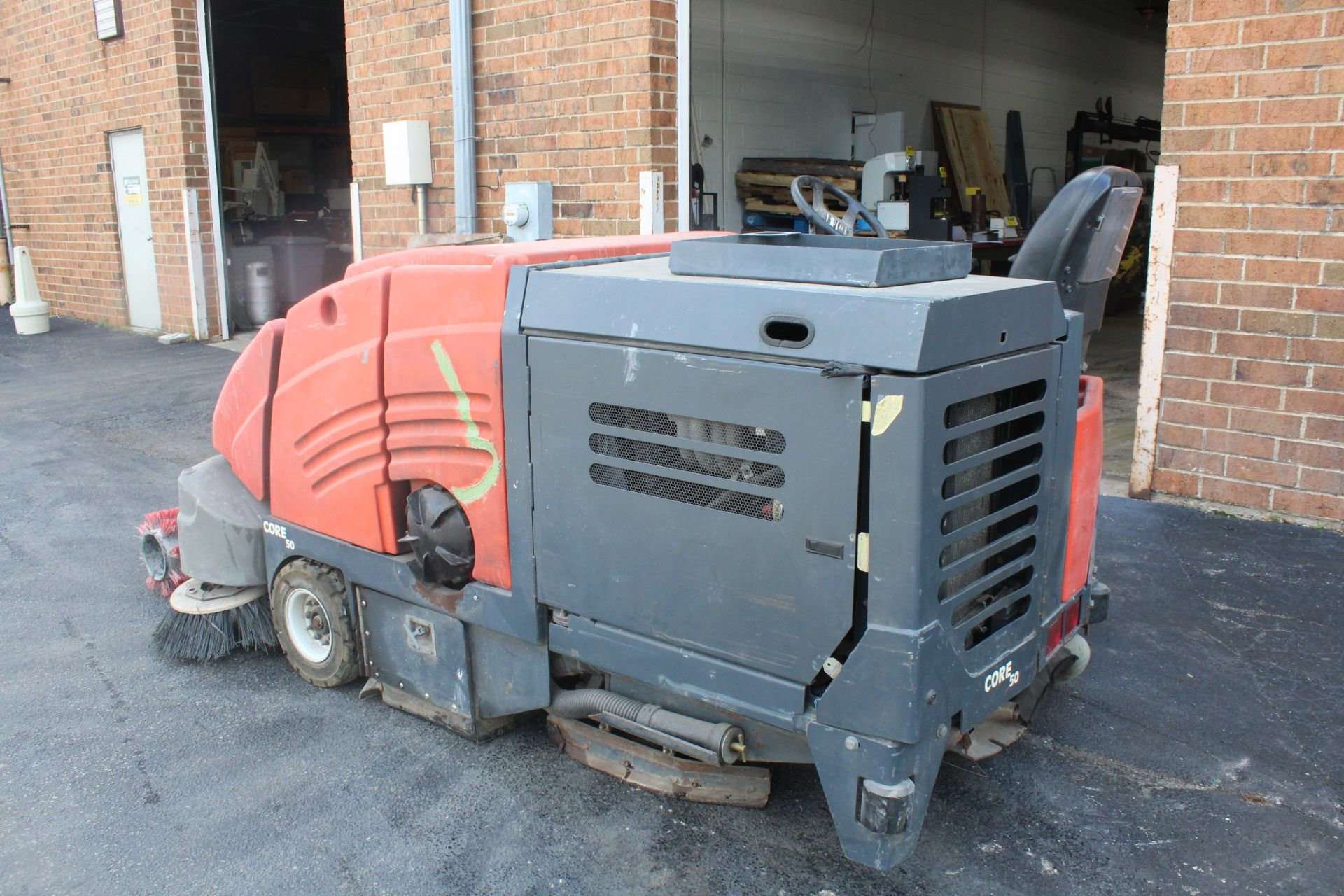 POWERBOSS CORE 50 RIDE ON SWEEPER SCRUBBER - Image 3 of 6