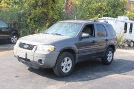2006 FORD ESCAPE XLT, 3.0L V-6, AUTO. 4WD, VIN 1FMYU93166KA34212, APPROX. 160,000 MILES PER