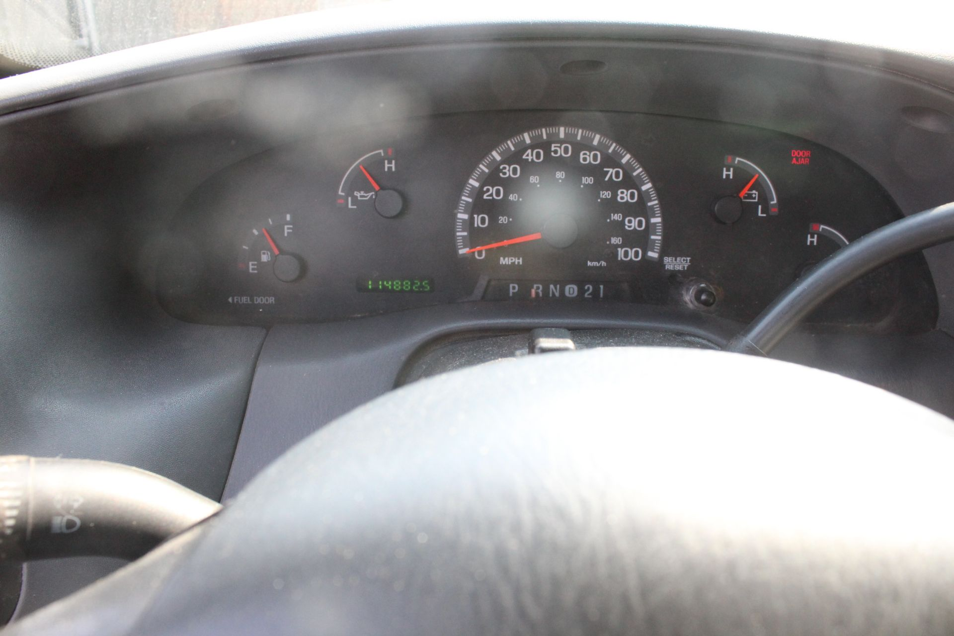 2001 FORD F150 7700 SERIES STANDARD CAB PICKUP TRUCK, 8' BED, 114, 882 MILES SHOWN ON ODOMETER - Image 5 of 8