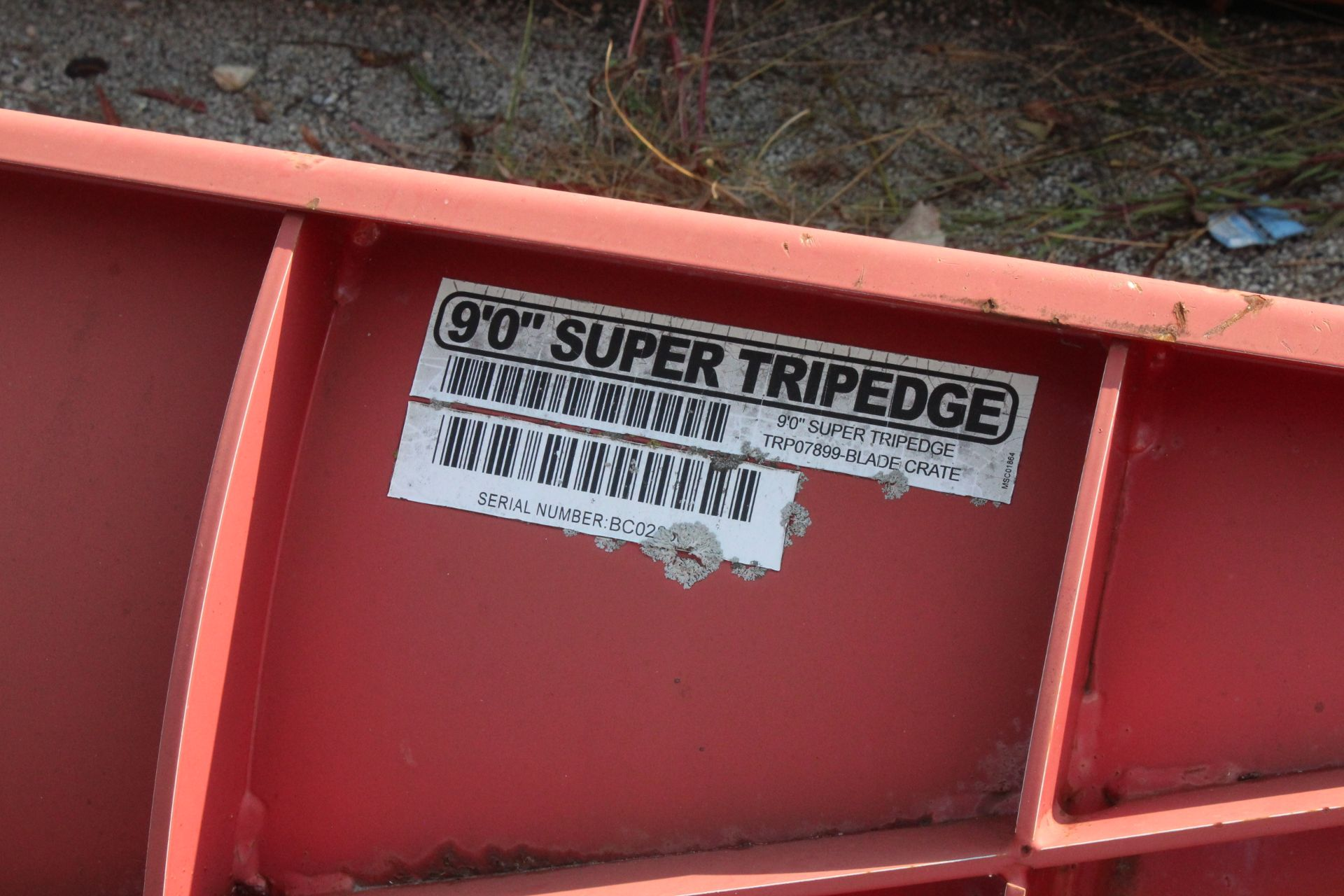 Lot 15 - BOSS 9' SUPER TRIPEDGE PLOW BLADE SKIDSTEER ATTACHMENT HYD TURNING