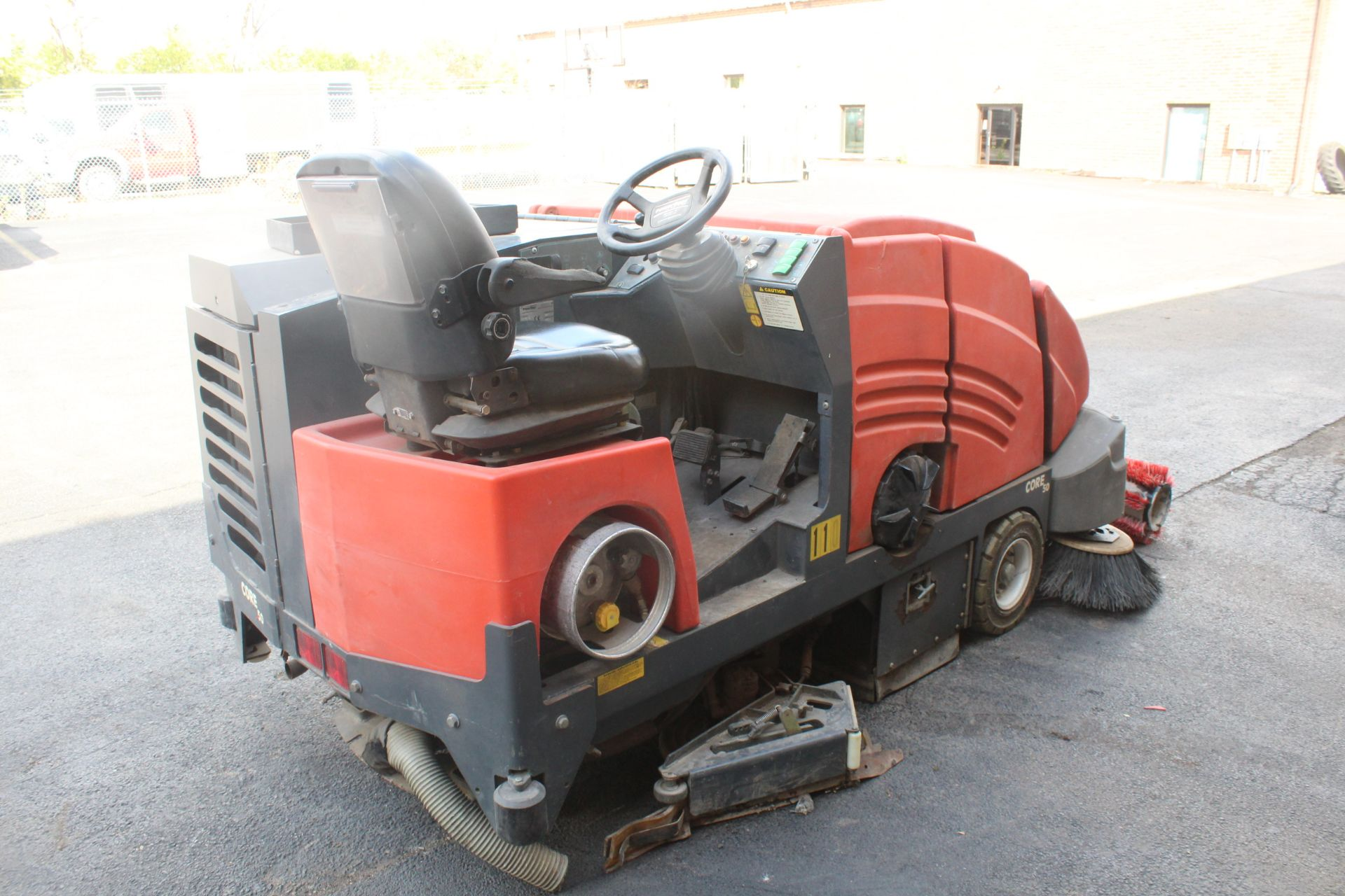 POWERBOSS CORE 50 RIDE ON SWEEPER SCRUBBER - Image 2 of 6