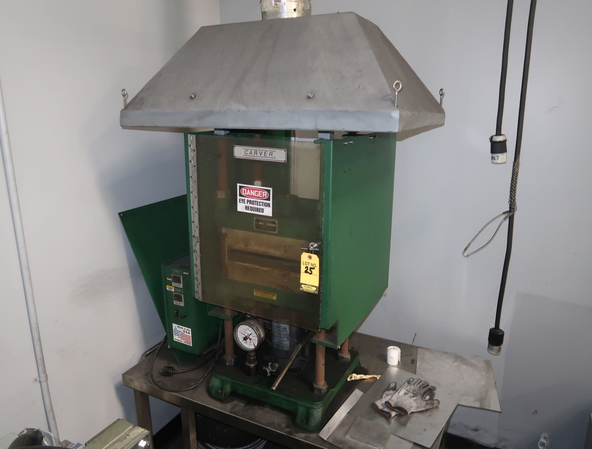 "Lot 25 - CARVER 12"" X 12"" MANUAL HYDRAULIC LAMINATION PRESS 230V, 1PH"