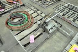 Victor Single Torch Oxygen/Acetylene Line Burner with Rail and Oxygen/Acetylene Hoses on (1) Pallet