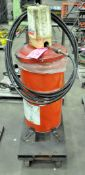 Lincoln Pneumatic Powered Grease Pump with Gun, Hose, Cart and Grease
