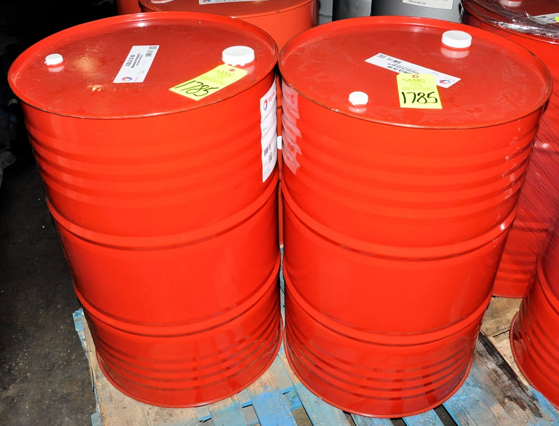 Lot-(2) 55-Gallon Drums of Total Azolla ZS 46 Multipurpose AW Hydraulic Oil on (1) Pallet, (Oils