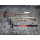 LOT OF 4 SLEDGE HAMMERS