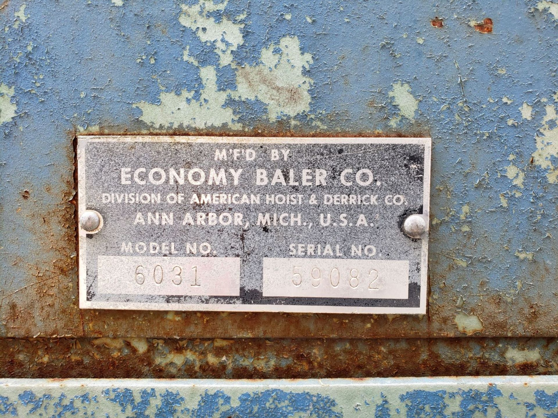 Lot 2 - Economy Baler