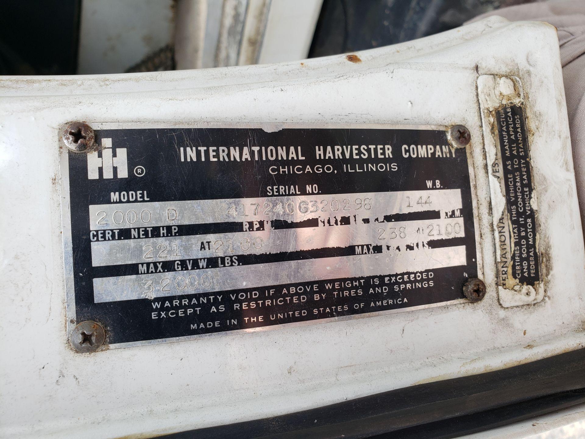 Lot 14 - 1968 International Fleetstar 2000D Single Axle Tractor