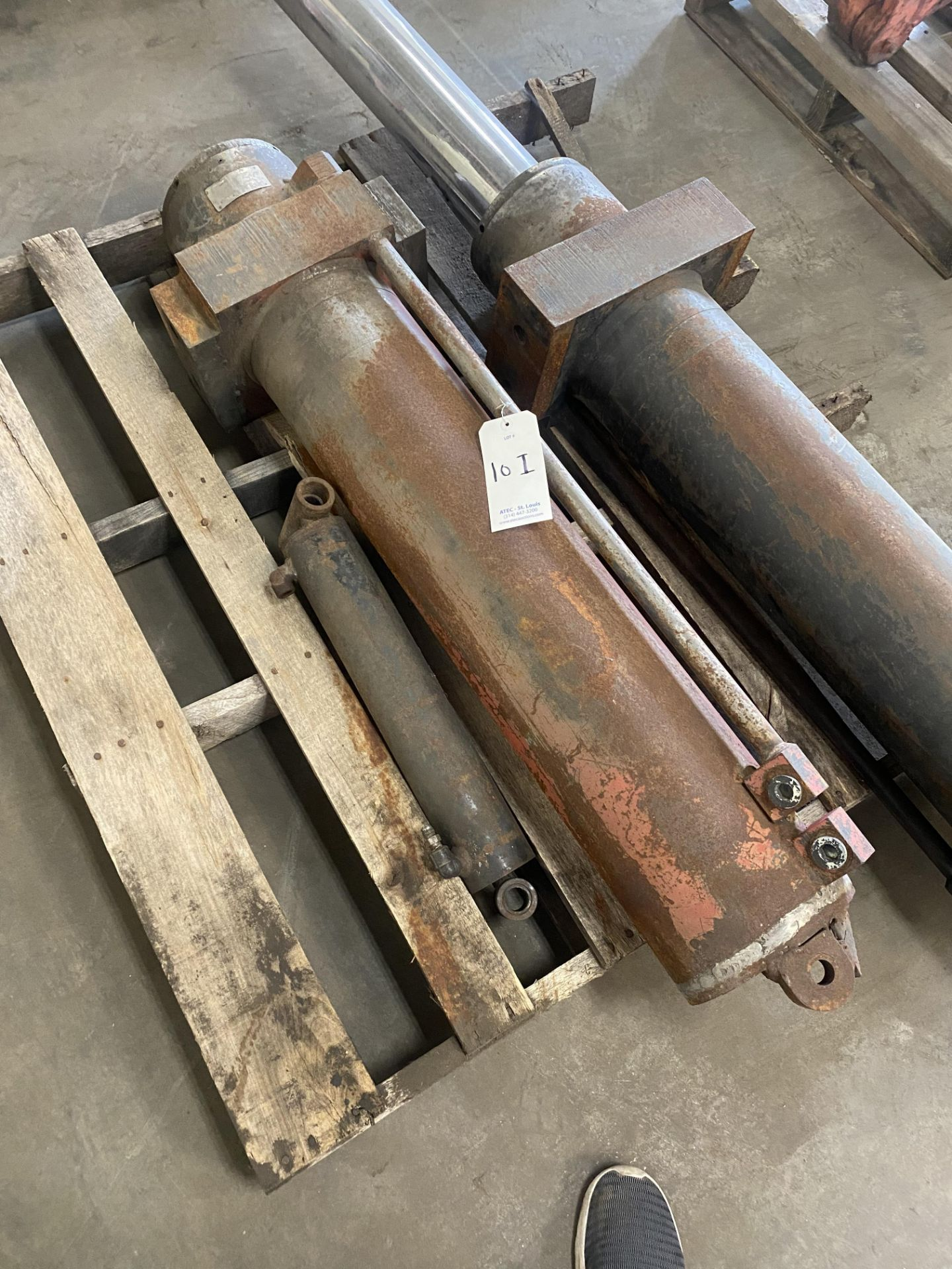 Lot 10I - Lot of (2) Cylinders For CP Manufacturing Can Densifier