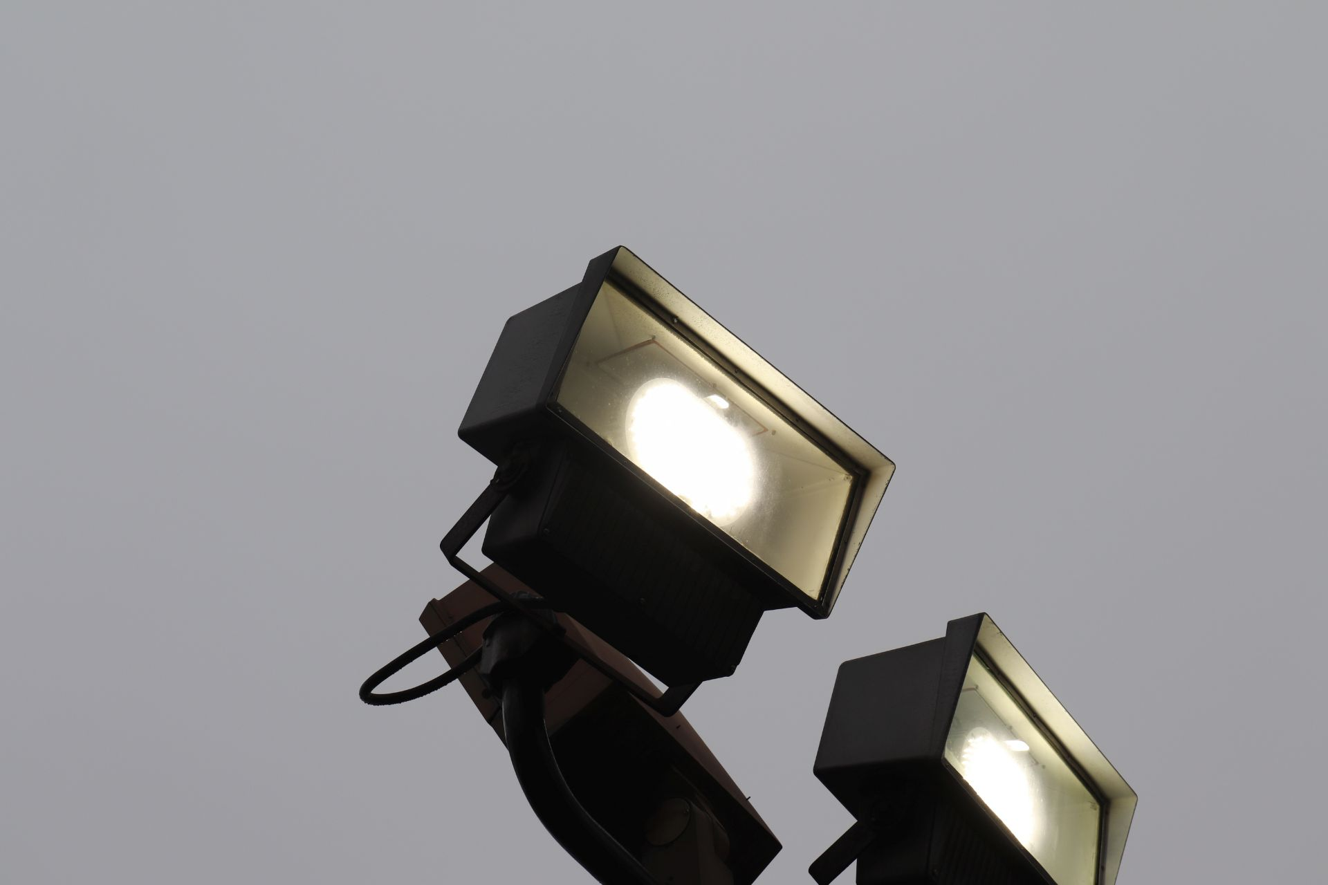 LED overhead sky light *will be taken down before the auction