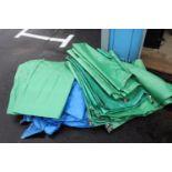 Lot of approximately 5 tarps