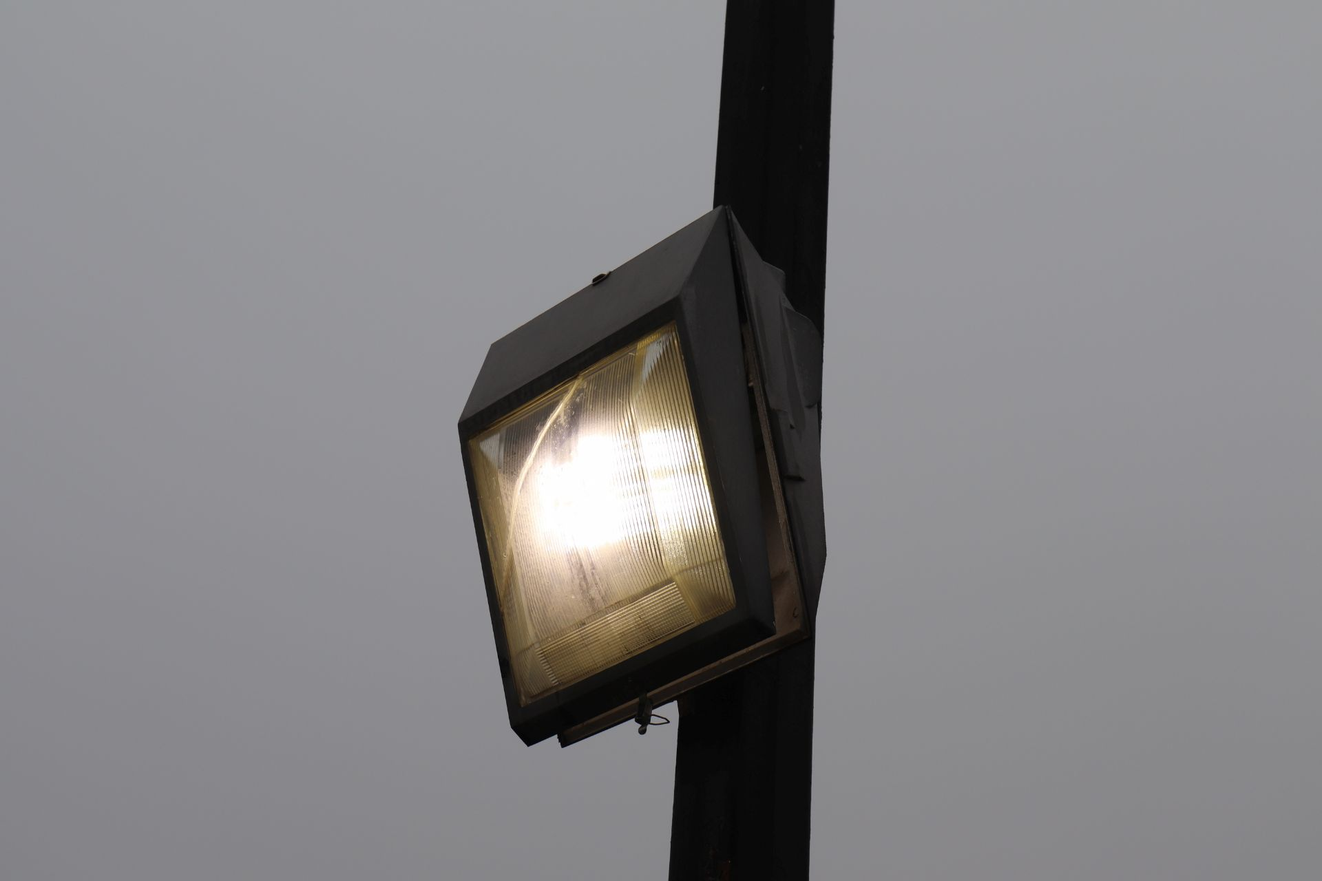 Square LED light *will be taken down before the auction