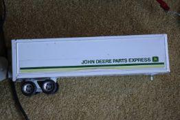 John Deere semitrailer, missing back wheels