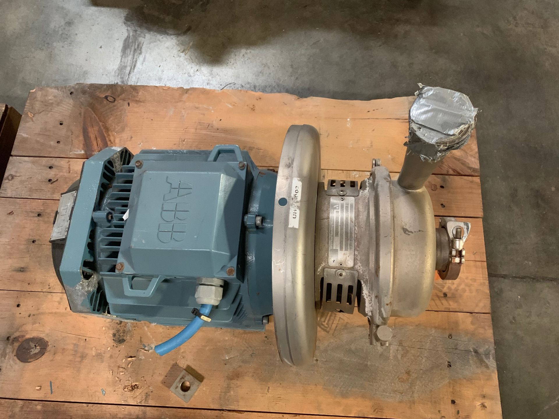 Lot 2 - APV CENTRIFUGAL PUMP