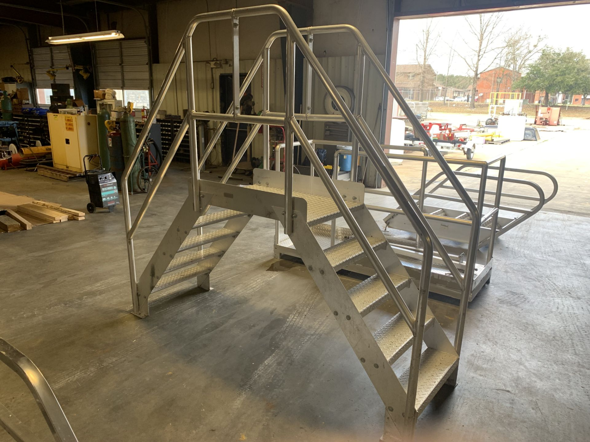 Lot 19 - STAINLESS STEEL CROSSOVER CONVEYOR