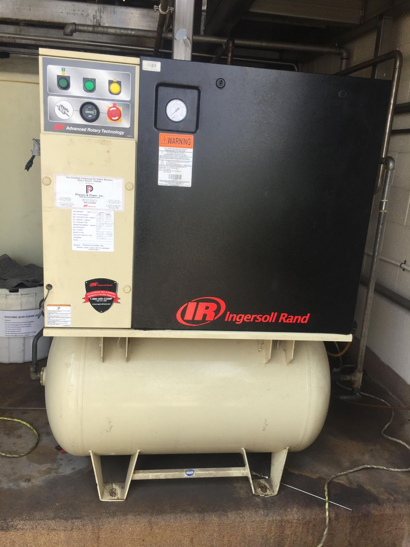 Lot 18 - Ingersoll Rand 7.5HP 125 PSI Air Compressor