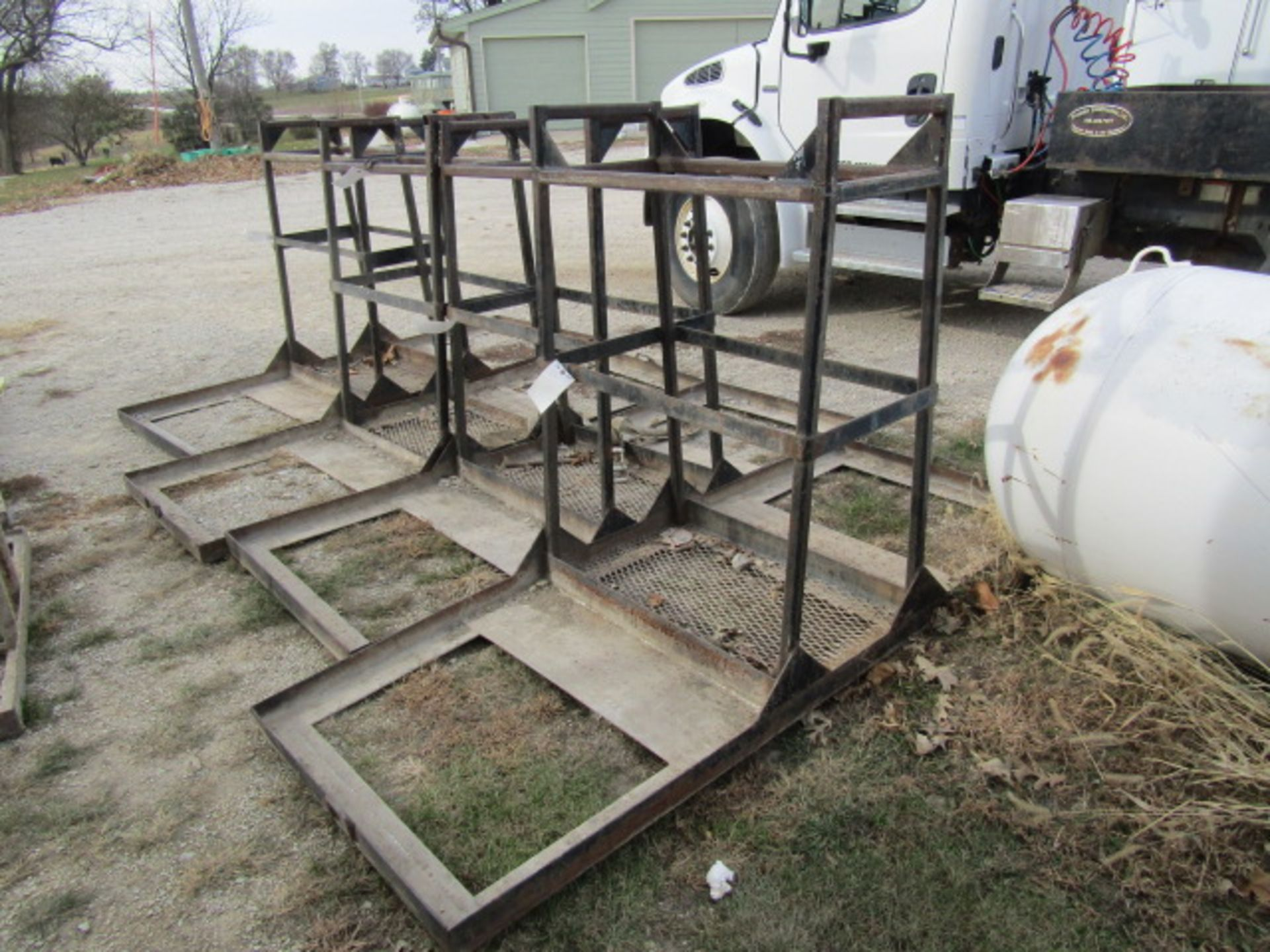 Lot 208 - 4' Concrete Forms Basket, Located in Winterset, IA