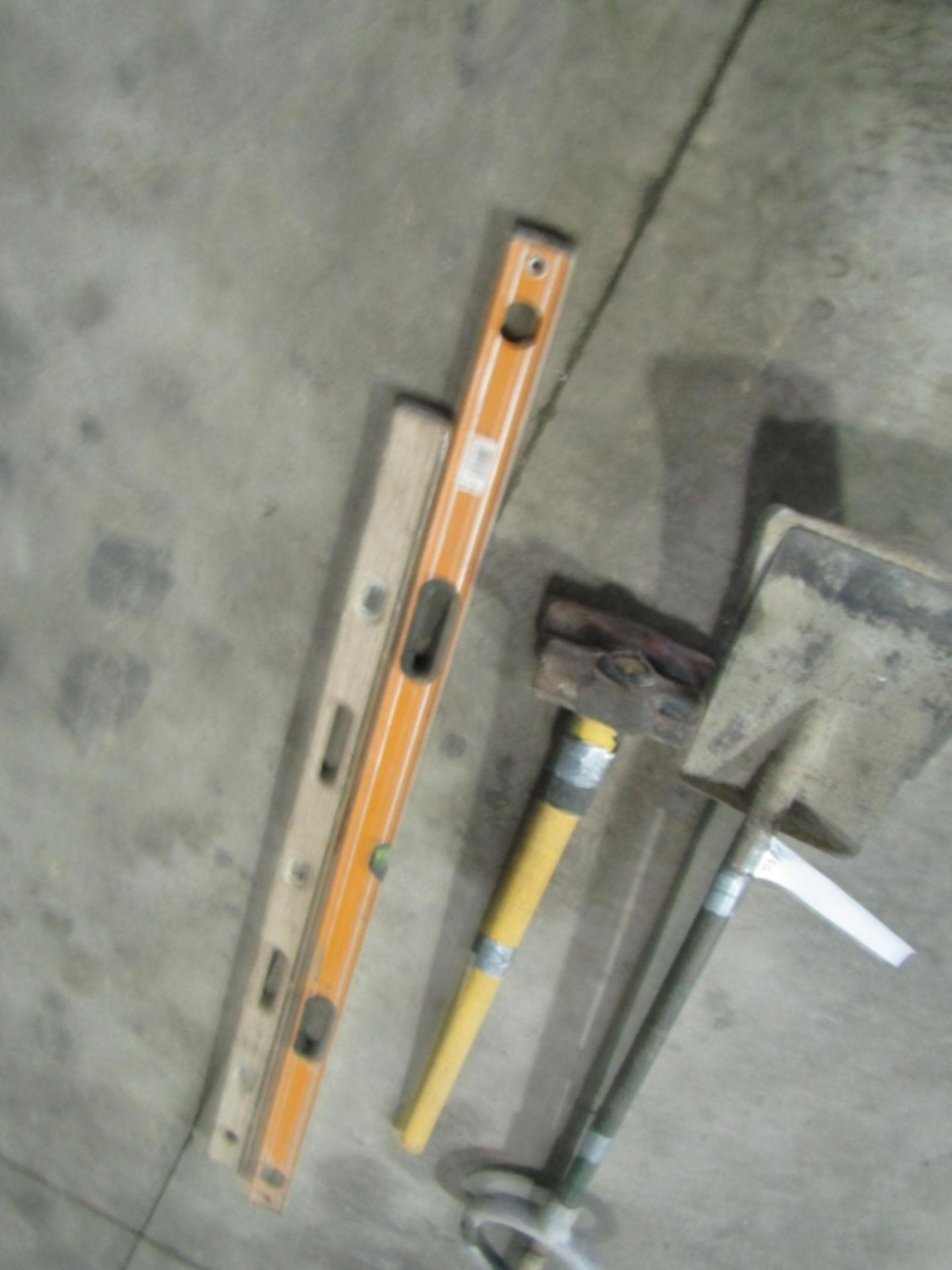Lot 233 - (2) Levels, (2) Shovels & (2) Sledgehammer, Located in Winterset, IA