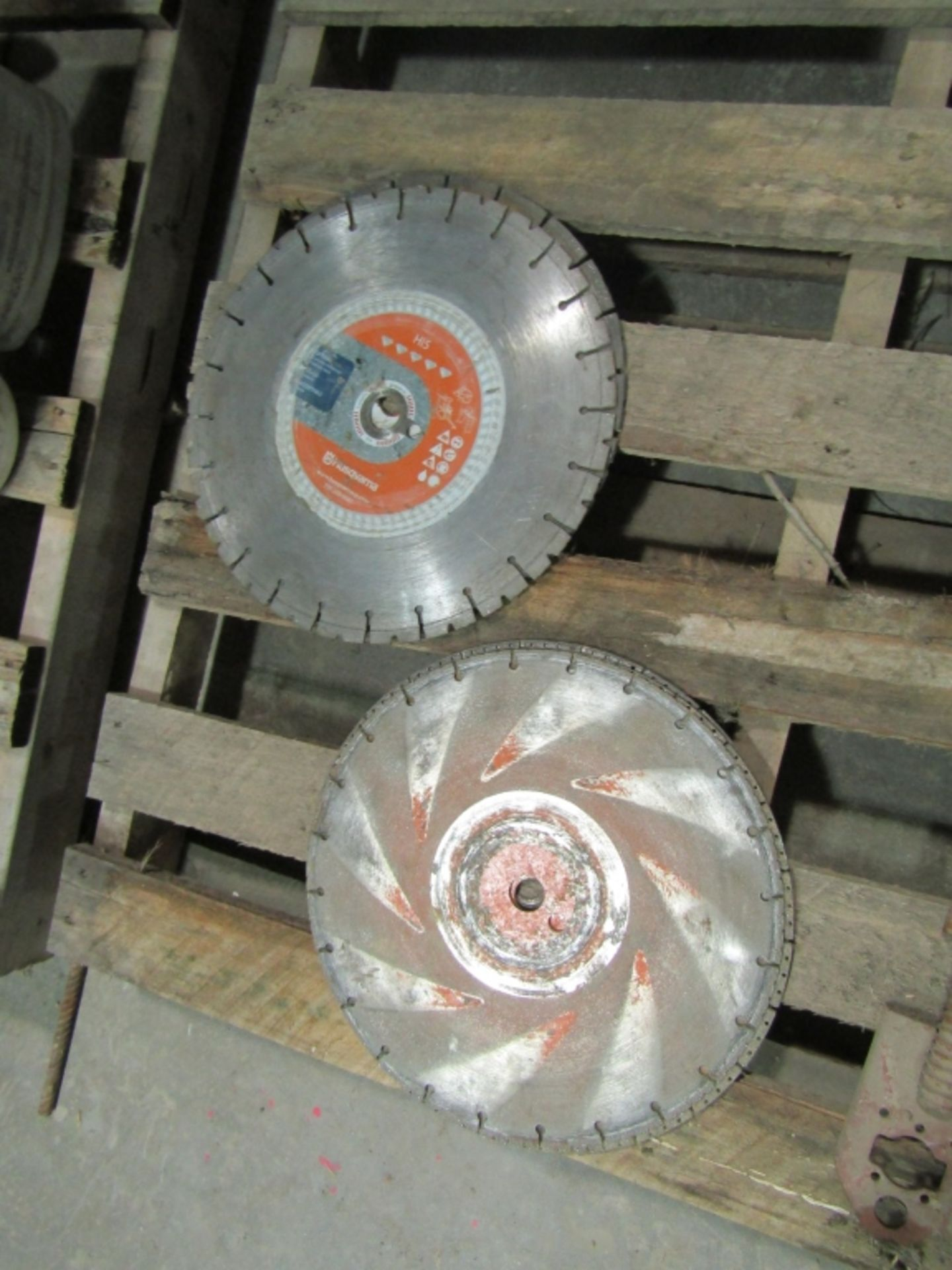 Lot 275 - (4) Concrete & (3) Steel Saw Blades, Located in Winterset, IA