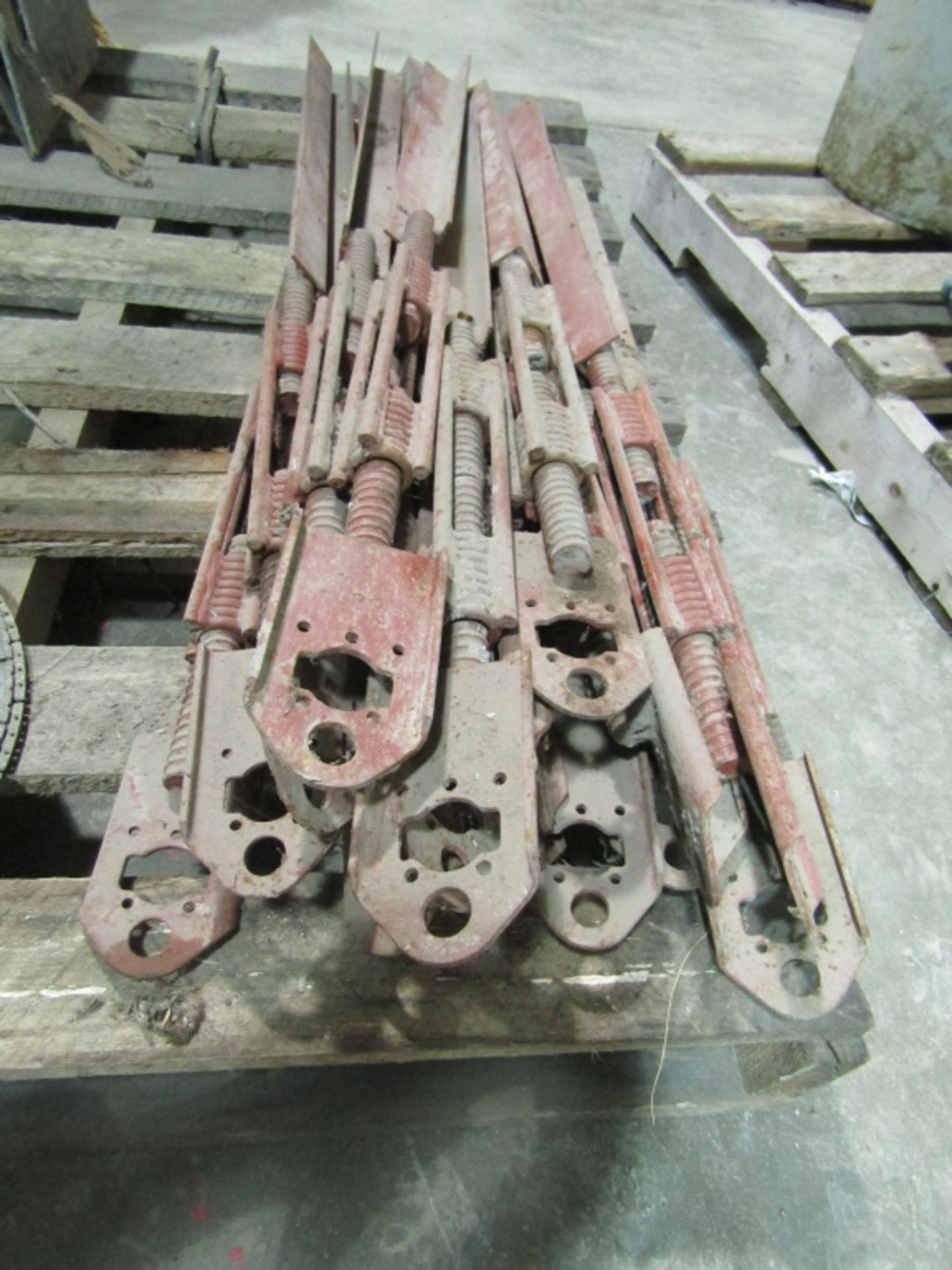 Lot 274 - (16) Turnbuckles, Located in Winterset, IA
