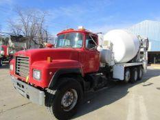 1999 Mack RD690S Concrete Mixer Truck