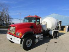 2003 Mack CV513 Concrete Mixer Truck