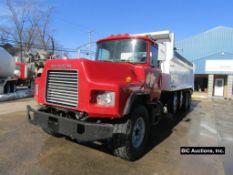 2000 Mack DM690S Dump Truck