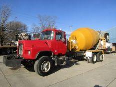 2003 Mack DM690S Concrete Mixer Truck