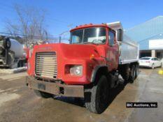 1999 Mack DM690S Dump Truck