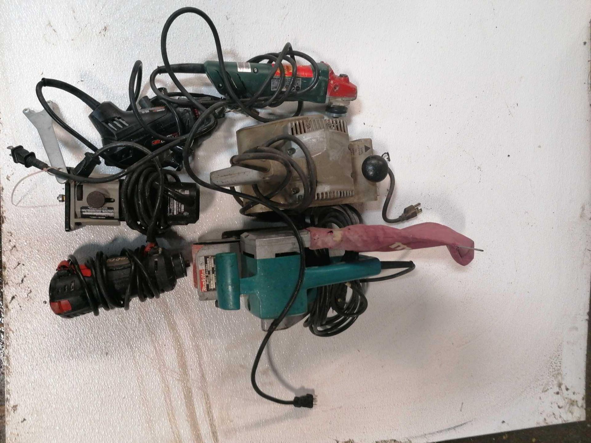 Lot 30 - (1) Router, (2) RotoZip Drywall Routers, (1) Angle Grinder & (2) Belt Sanders