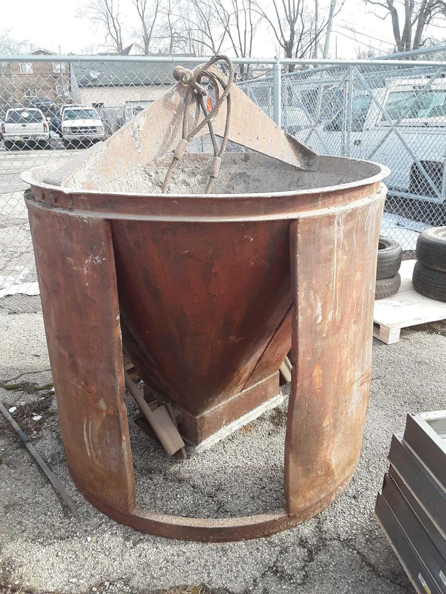 Lot 59 - Concrete Bucket