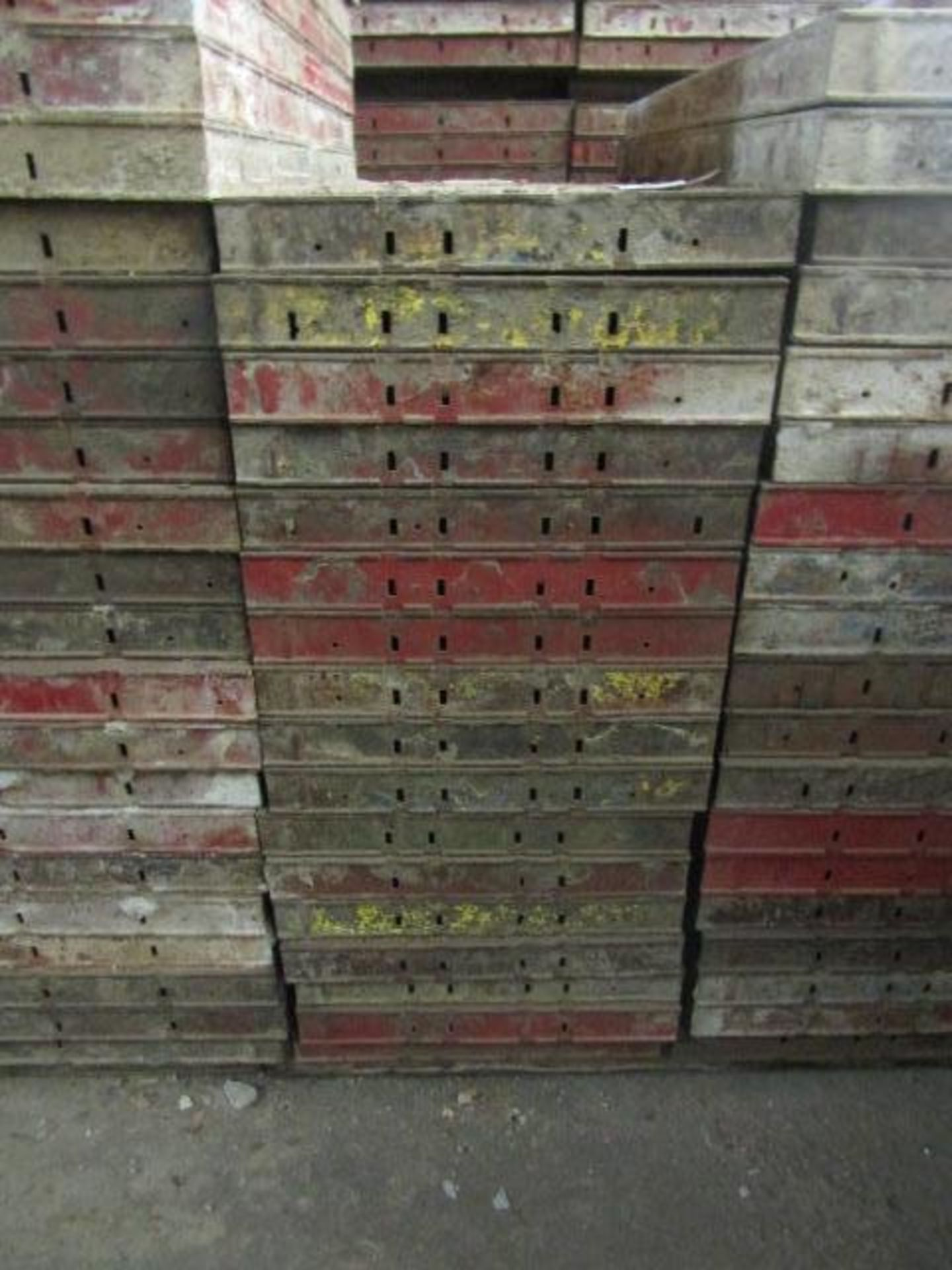 """Lot 219 - (17) 20"""" x 4' Symons Steel Ply Forms"""