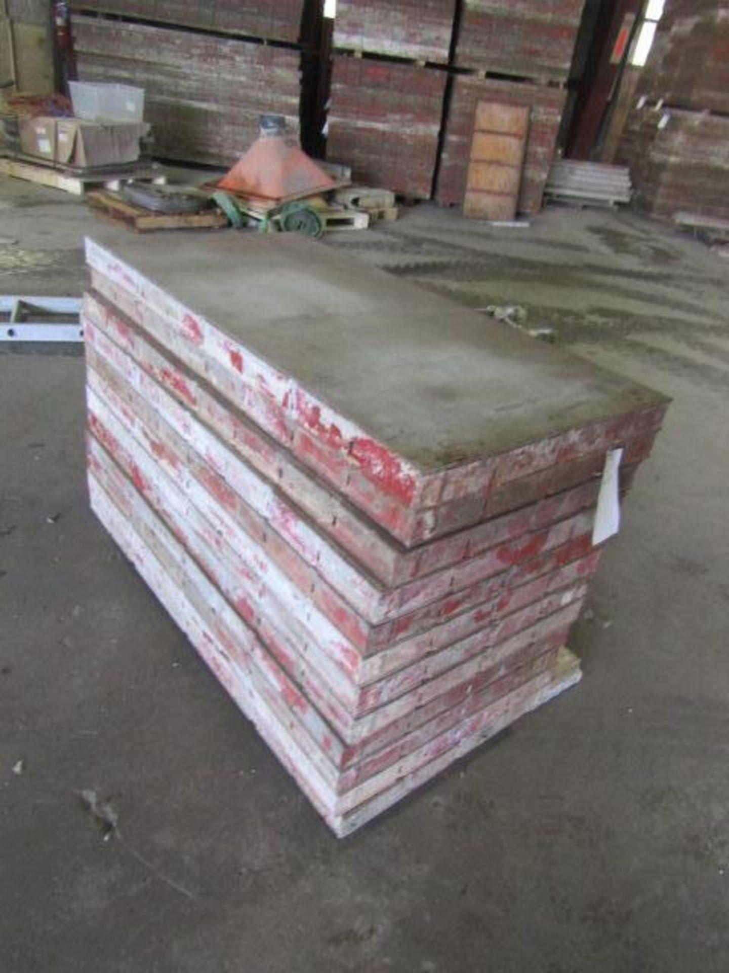 """Lot 217 - (12) 24"""" x 4' Symons Steel Ply Forms"""