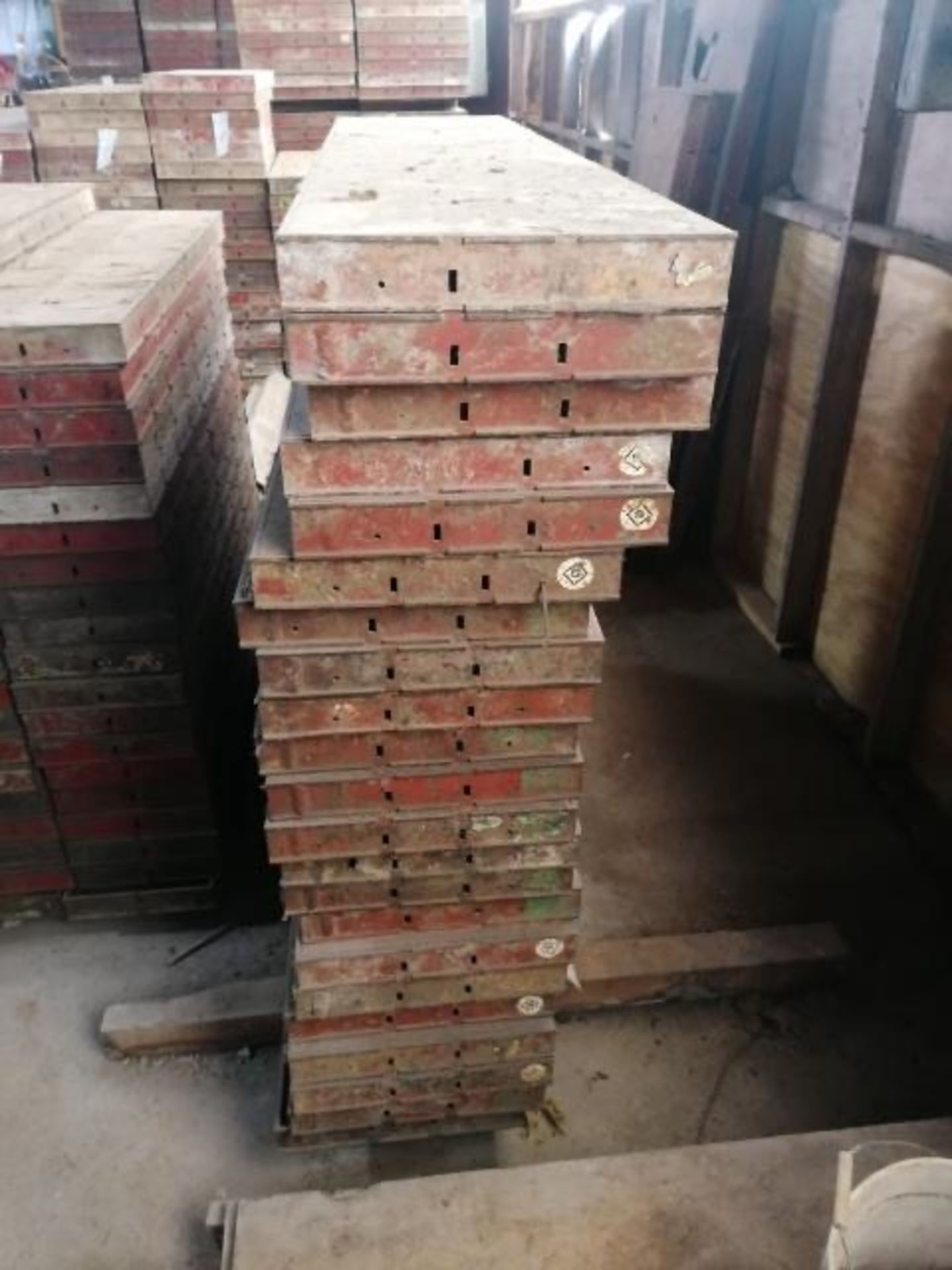"""Lot 186 - (22) 16"""" x 6' Symons Steel Ply Forms"""